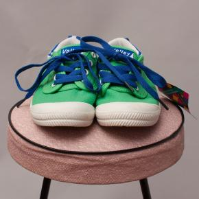 Volley Street Shoes - US 2