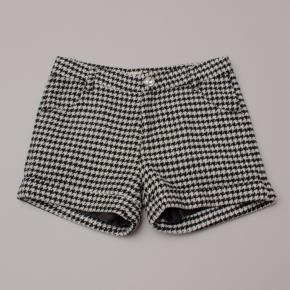 Gum Hounds tooth Shorts