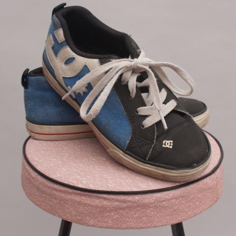 DC Street Shoes - Size EU 33