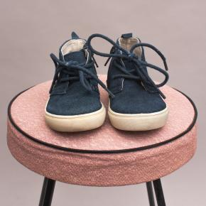 Country Road Suede Lace Ups EU 20