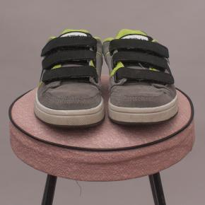 Air Walk Street Shoes - EU 28