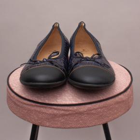 Andanines Faux Croc Ballet Flats - EU 34