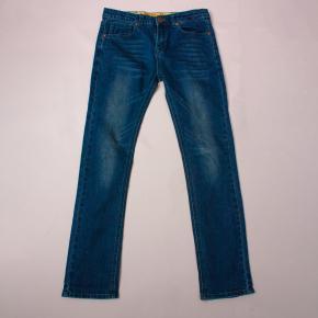 Zom-B Distressed Jeans