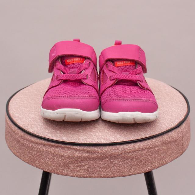 Nike Pink Runners - AU 4.5