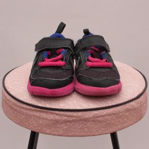 Nike Velcro Runners - AU 4.5