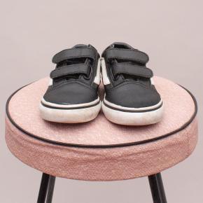 Van's Black & White Sneakers - US 5
