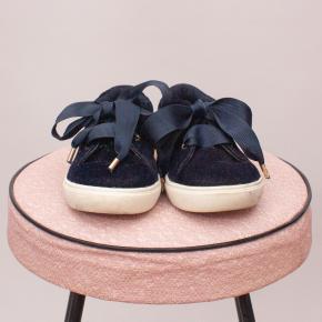 Country Road Velvet Shoes - EU 22