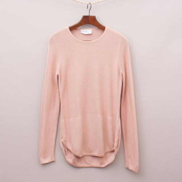 Decjuba Knit Jumper