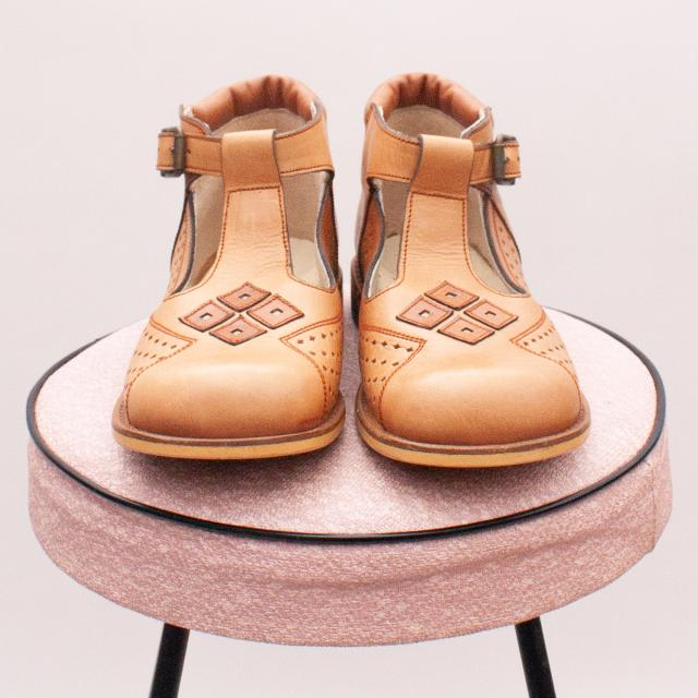 ZeNel Leather Shoes - EU 29 9Age 5 Approx.)