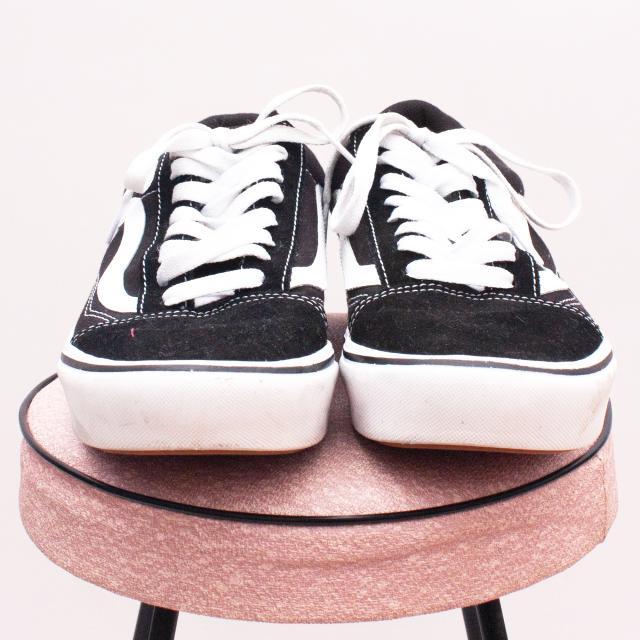 Van's Black & White Sneakers - EU 39 (Age 10 Approx.)
