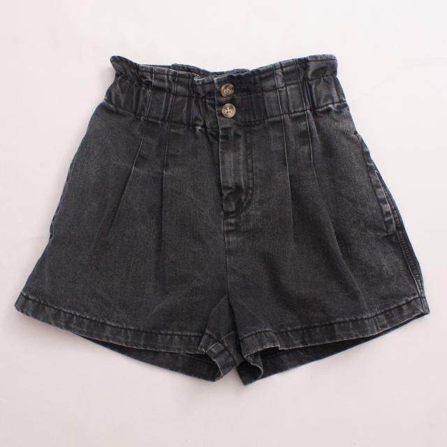 Seed Pleated Denim Shorts